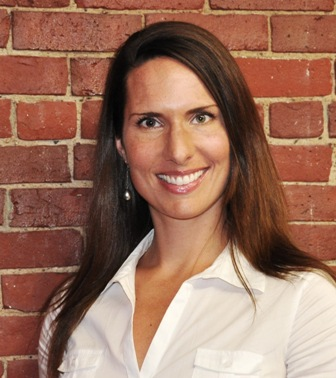 Kirsten Knipp Headshot Brick WebSize