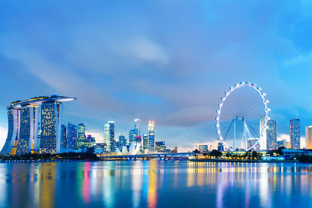 Singapore skyline at night-3