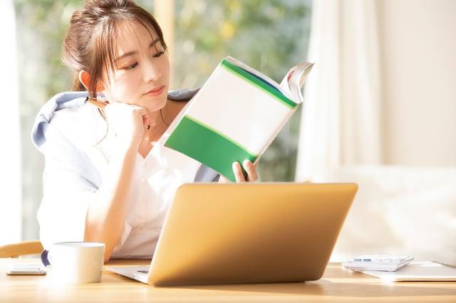 Excelを独学で勉強するには?おすすめの学習サイト・書籍・アプリ