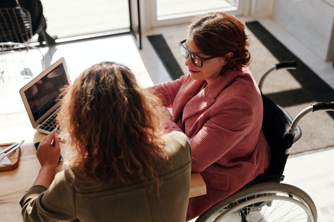 Qué es la relación con el cliente (y cómo puedes mejorarla)