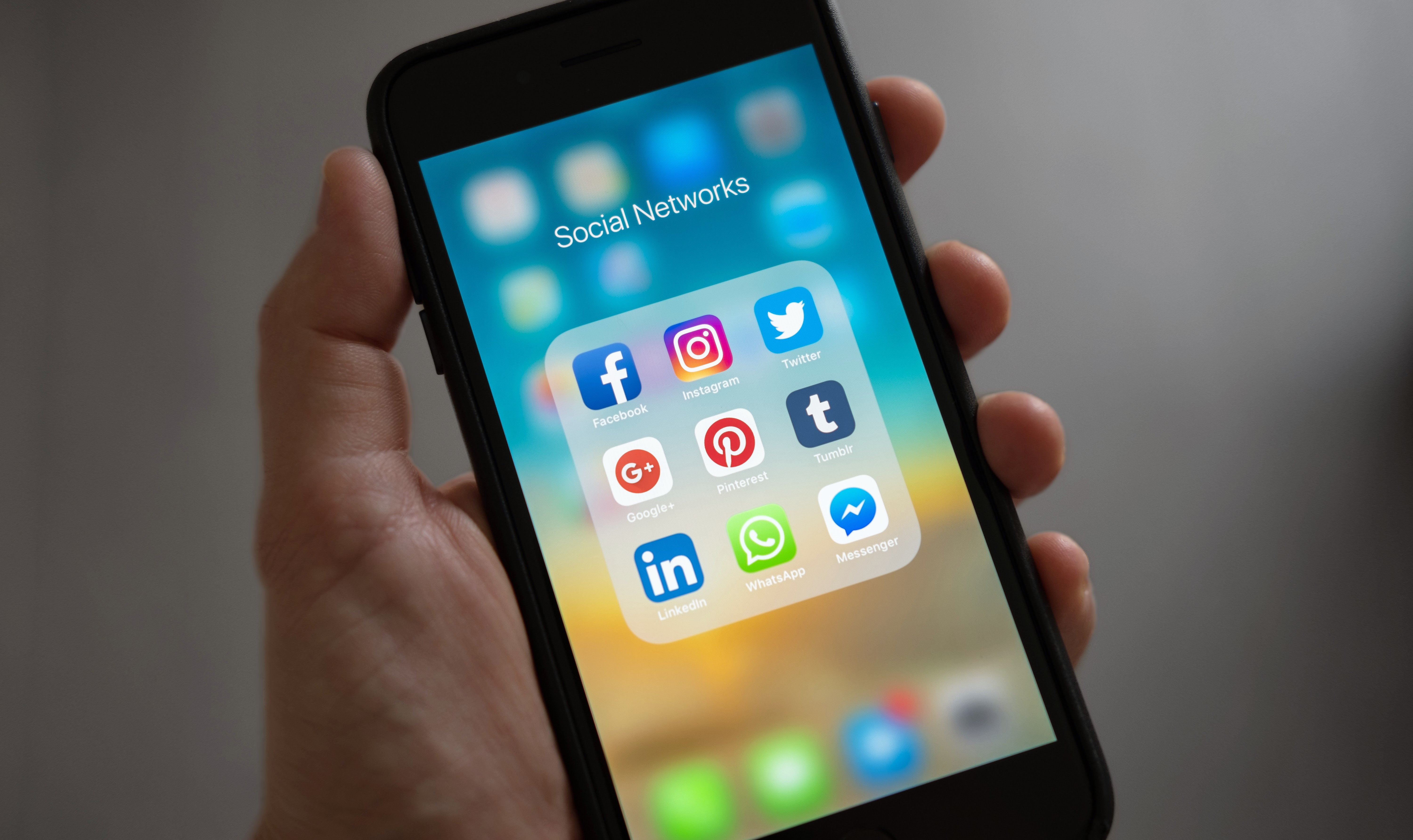 How to Use Social Media to Find Your Dream Job