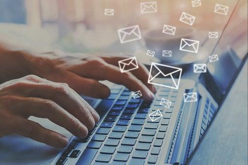 Cómo redactar un correo para ofrecer un producto que sí venda