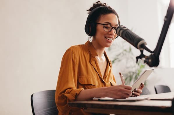 The Ultimate Guide to Podcast Advertising and Sponsorship